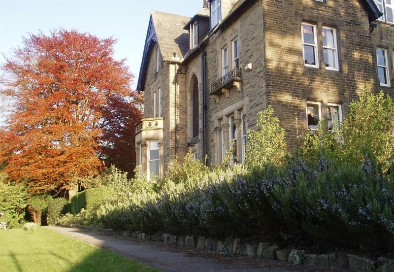 Westwood Lodge Cottages - The Main House, Ilkley - West Yorkshire