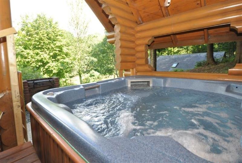 Cool This Cottage In Bideford North Devon Is A Hot Tub Holiday Interior Design Ideas Tzicisoteloinfo