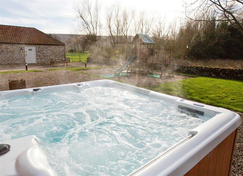 Hot tub at Holly Cottage,