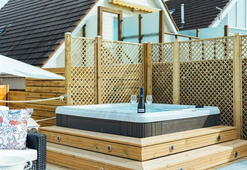 Hot tub at Sea Song, Middleton-on-Sea