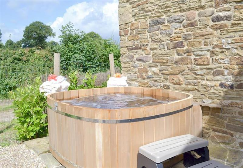 Green Farm Holiday Cottages - The Pig Sty, Cutthorpe, nr. Chesterfield - Derbyshire