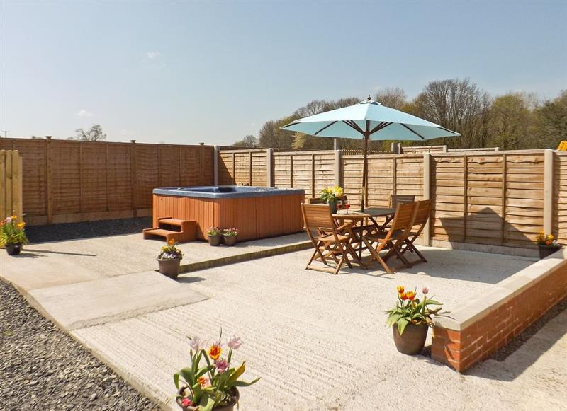 Castle Farm Cottages - Woodpecker, Dudleston, nr. Ellesmere - Shropshire